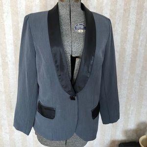 Monroe & Main Tuxedo Style Jacket